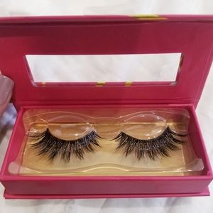 Lilly Lashes Makeup - Lilly Lashes